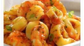 Cappelletti con salsa de camarones