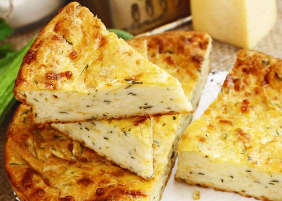 Pastel de calabacín y queso parmesano [Receta fácil]