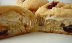 Muffins de Arándanos y nueces de macadamia rellenos de queso cema - Cocina de Valen