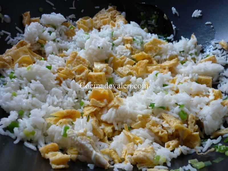 Arroz salteado con pollo, piña y anacardos - Cocina de Valen