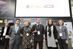 foto familia tapa ganadora icex