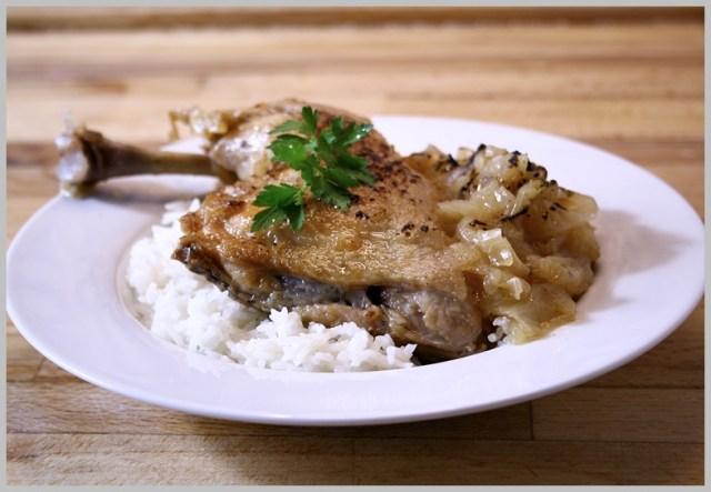 Pollo a la cebolla. Poulet à l'oignon