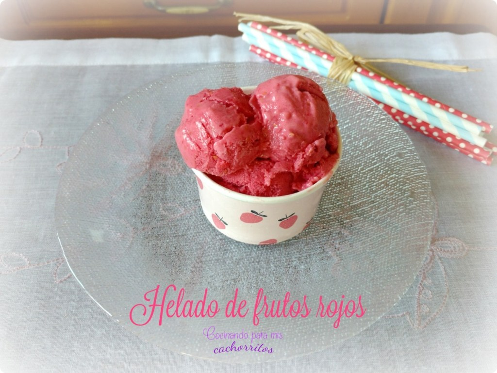 helado de frutos rojos