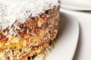 Tarta con zanahoria dulce.