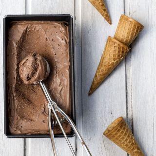 Helado de chocolate casero sin heladera