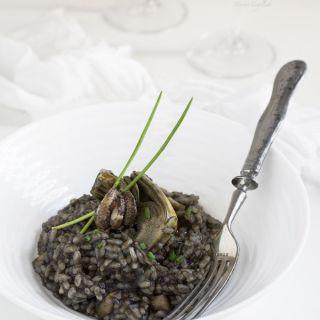 Arroz negro de sepia y alcachofas, receta Thermomix y tradicional