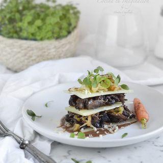 Rabo de toro al vino tinto en milhojas con queso Idiazábal