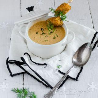 Crema de mejillones con su crujiente de escabeche