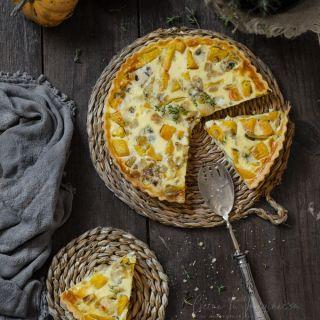 Quiche de calabaza, cebolla confitada y queso azul