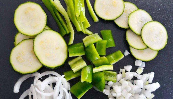 Tipos de cortes para verduras y hortalizas -que es juliana -que es brunoise - que es chiffonade - que es concasse