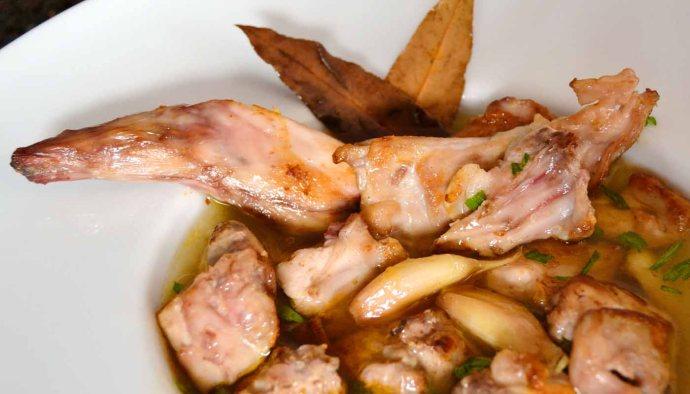 receta de conejo escabechado - receta de conejo en escabeche - conejo escabechado - recetas con escabeches - recetas de escabeches - recetas escabechadas - recetas de conejo - recetas realfooding o real food