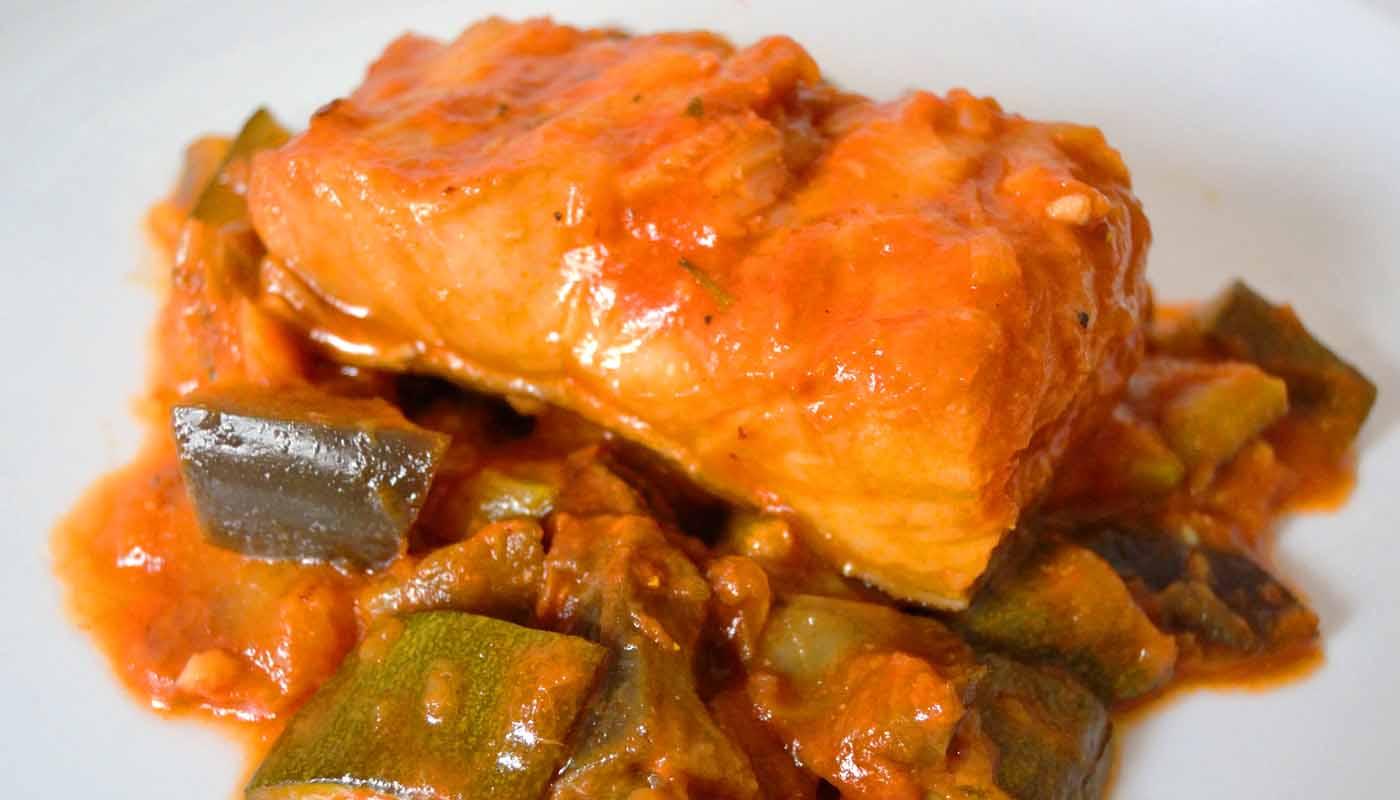 receta de bacalao con pisto o sanfaina - recetas de bacalao - recetas de pescados y maricos - recetas de guisos de pescados y mariscos - recetas realfooding o real food