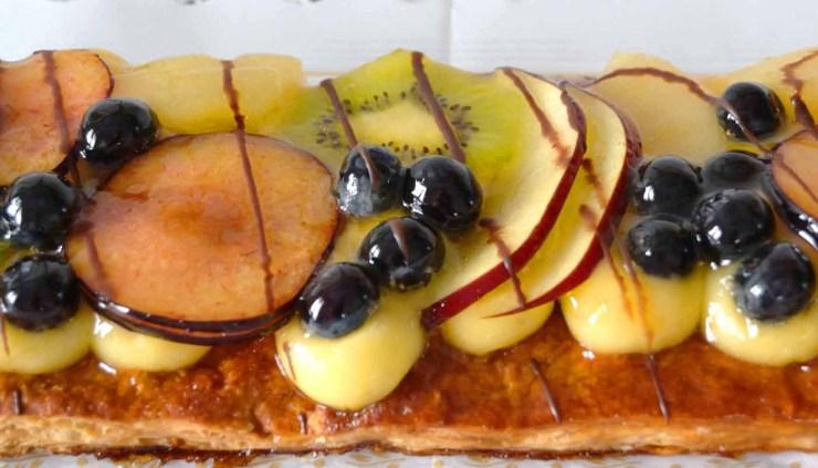 Receta de tarta o coca de hojaldre con frutas - recetas de dulces y postres caseros - recetas relafooding o real food