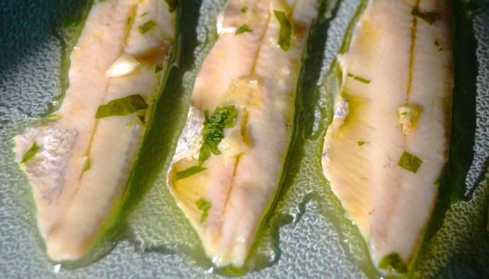 Receta de boquerones en vinagre - receta de boquerones con vinagre - recetas de boquerones al vinagre - receta de boquerones a la vinagreta - recetas realfooding o rela food - recetas de pescado fáciles
