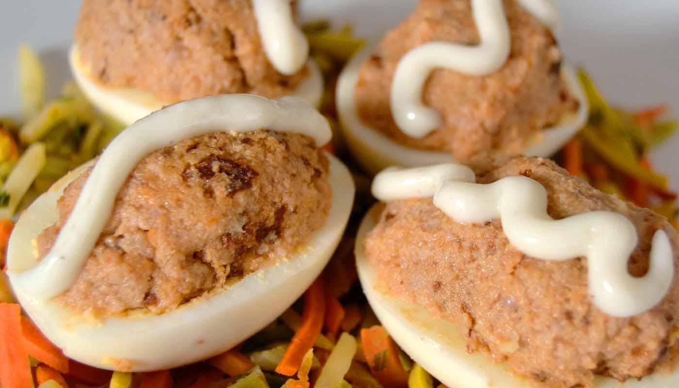 Receta de huevos rellenos de carne con bechamel - recetas de huevos rellenos - recetas realfooding o real food
