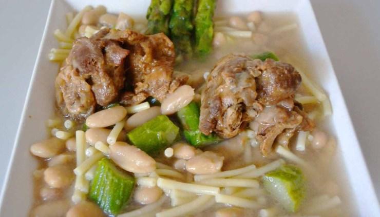 Receta de potaje de alubias a la cazadora - recetas de potajes - recetas con pato - recetas con alubias - recetas realfooding o real food