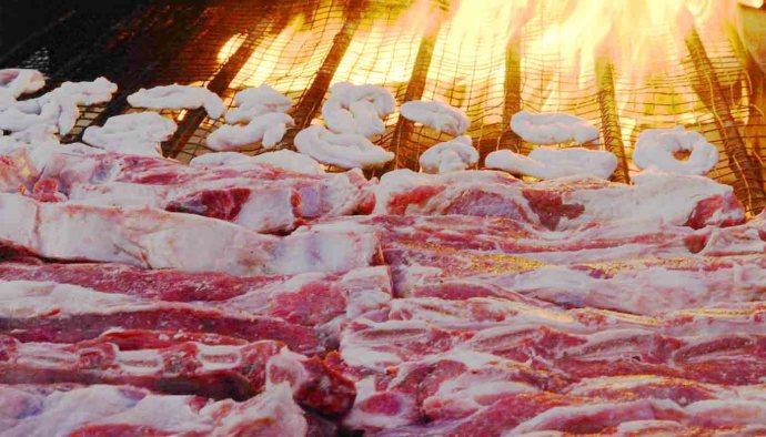 Las mejores carnes y cortes para asar en la barbacoa - trucos de cocina