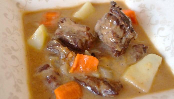 Sopa estilo goulash