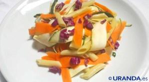 Receta de ensalada de pasta con crudités de calabacín y zanahorias - recetas de pasta - recetas de ensaladas - recetas vegetarianas y veganas