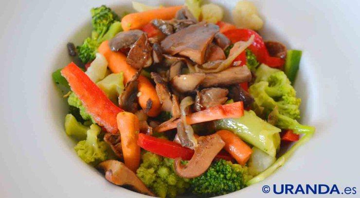 Receta de salteado de setas y coliflores con aliño oriental - recetas vegetarianas y veganas