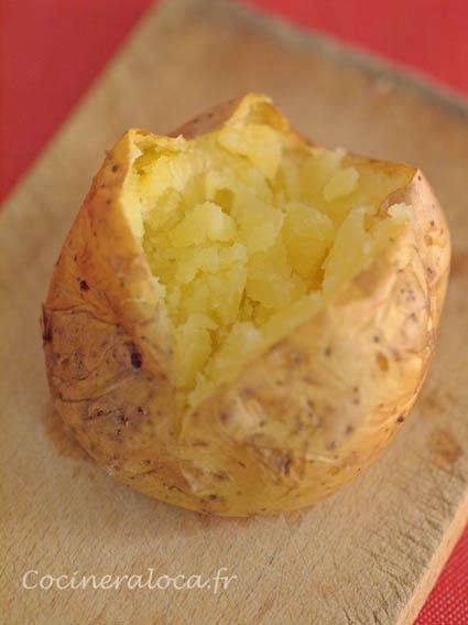 pomme de terre fendue, extrémitées rapprochées