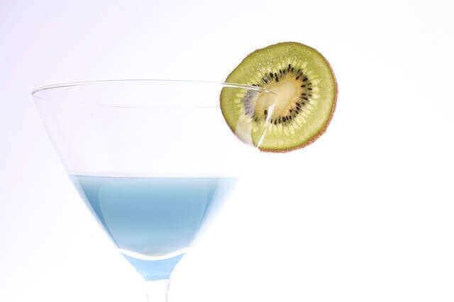 お酒好き女子必見!シェイクで作るアルコール強めな甘いカクテル6選