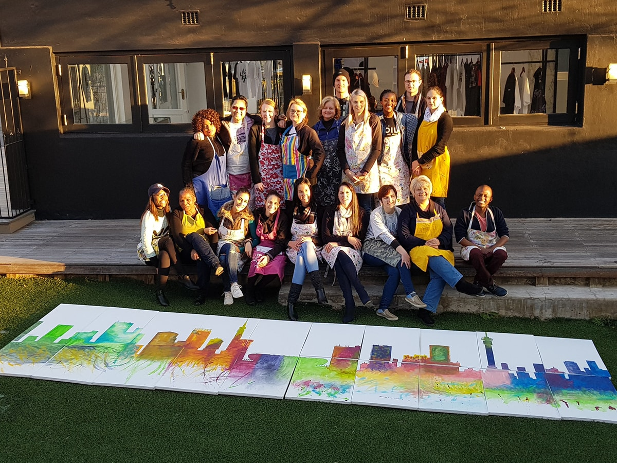 Team building - Skyline Mural Painting