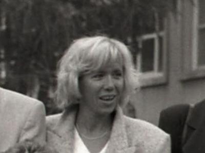 マクロン夫人の高校教師の若い頃画像