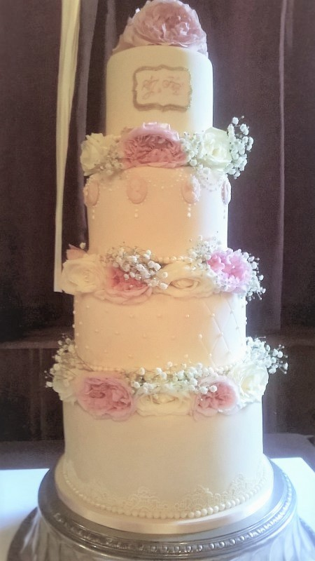 Vintage Wedding Cake with Fresh Flowers by Cocoa & Whey Cakes in Dorset