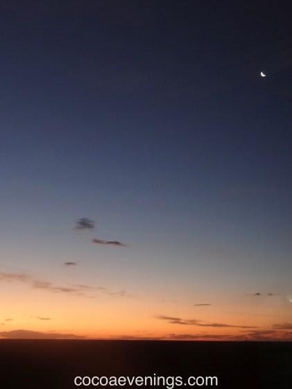 sundown-moon-australia-plains-watercolour-sky-DSC03944