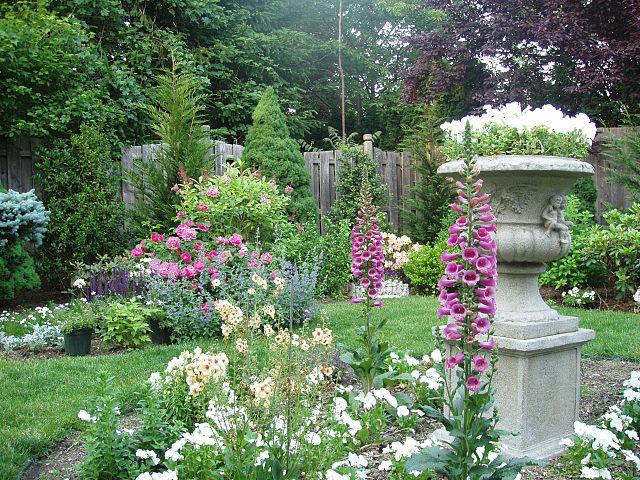 English Garden Setting