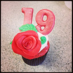 19th Birthday Cupcake