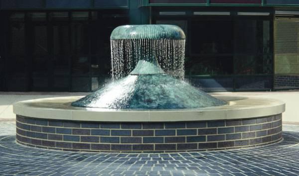 udens-skulpturas