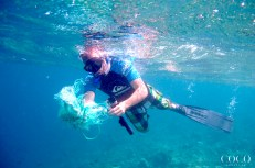 Removing ghost nets from the reef