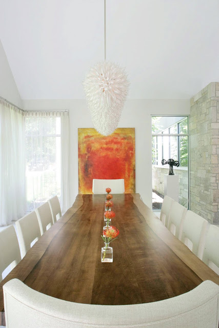 Round dining room table for sale