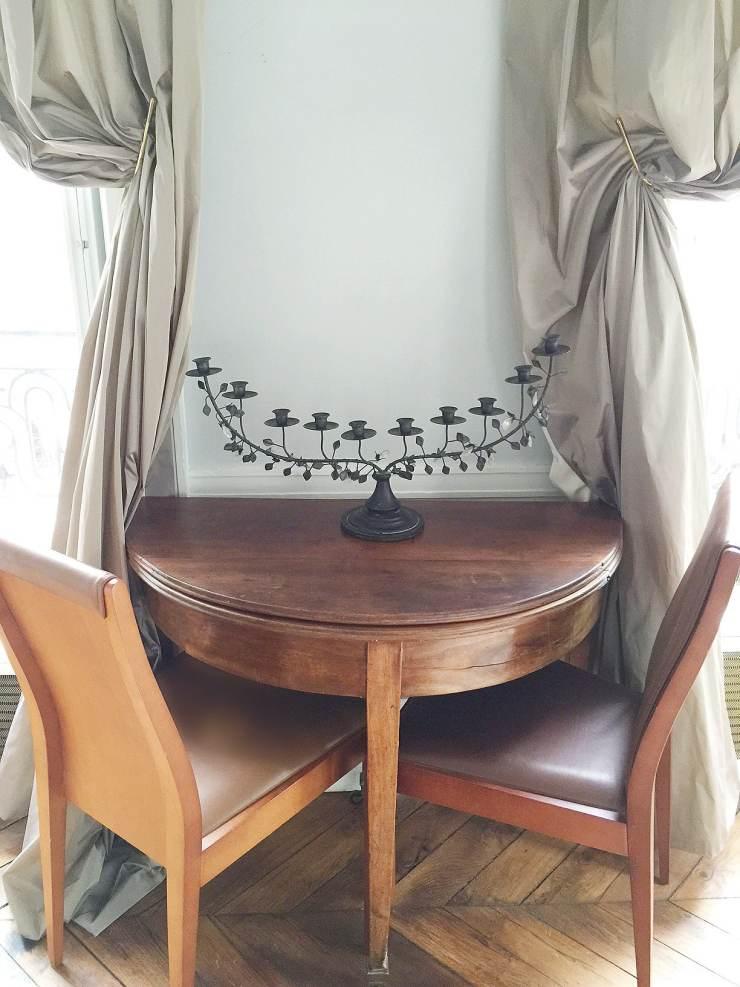 Paris-apartment-demilune-desk-cococozy