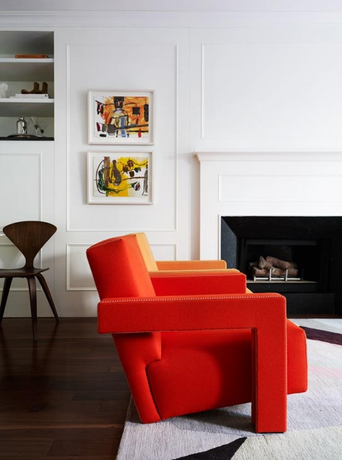 apartment-living-room-orange-side-chair-modern-rug-new-york-arent-pyke-cococozy
