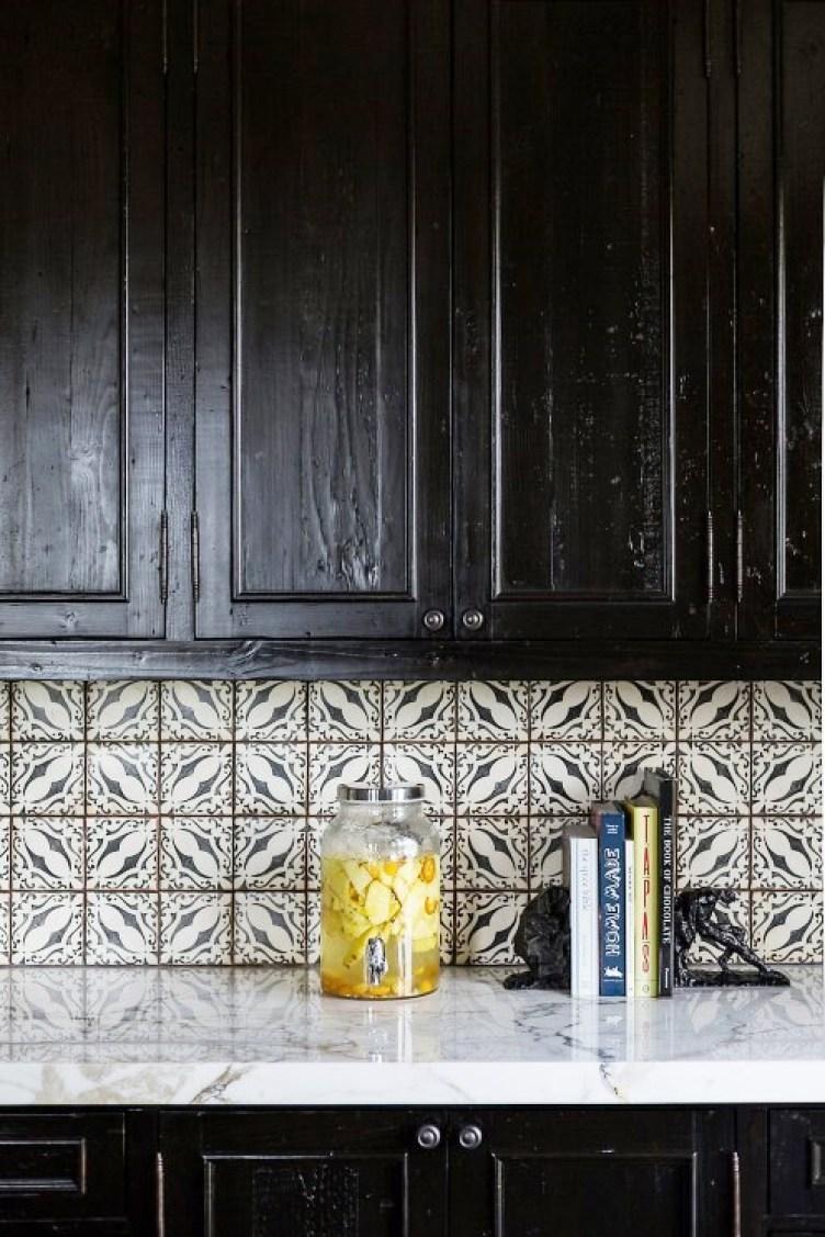 kitchen-black-rustic-cabinets-tile-backsplash-cococozy