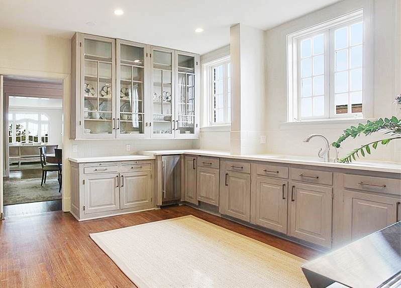 new-orleans-penthouse-kitchen-grey-cabinets-2-cococozy