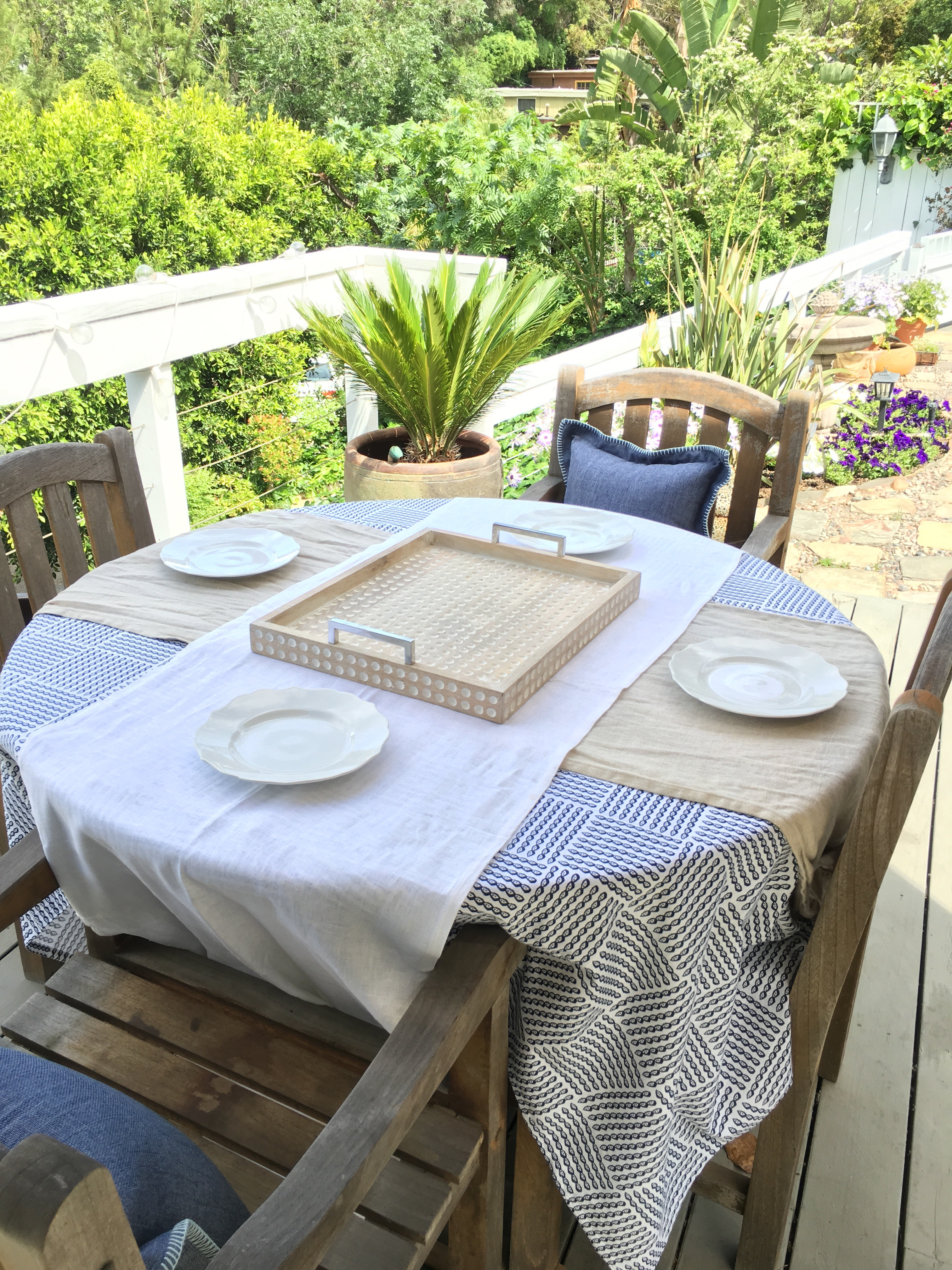 Spring Outdoor Entertaining Caribbean Inspired Tablescape