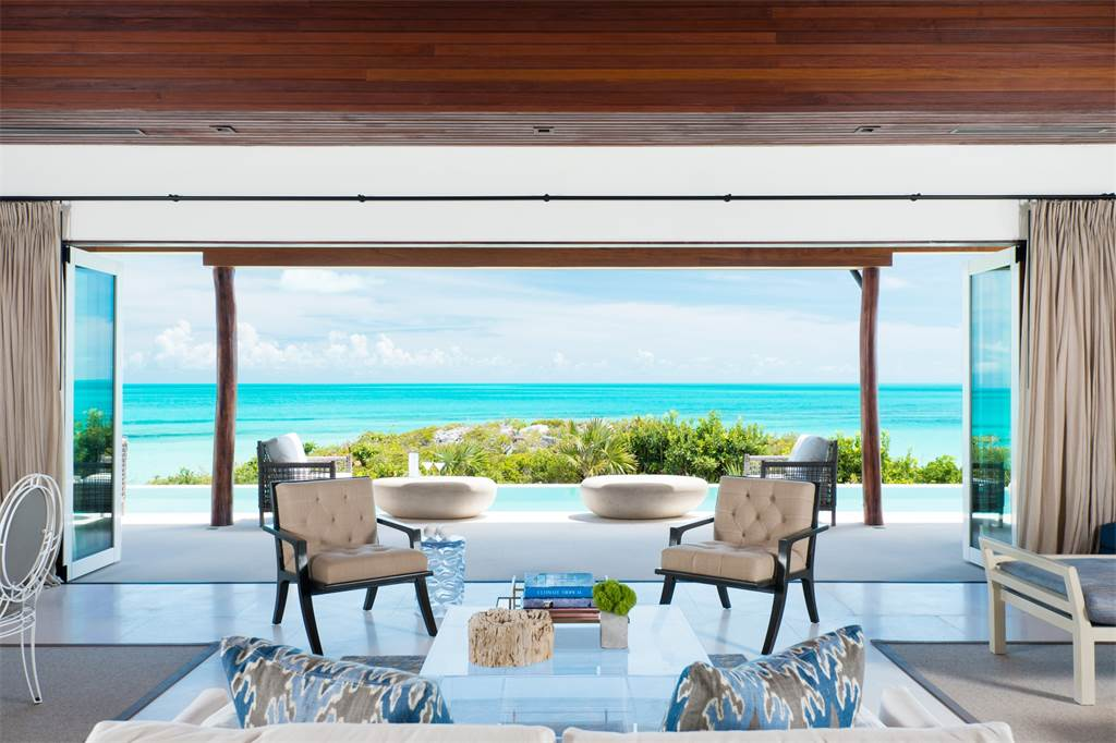 Caribbean-Beachfront-Turtle-Tail-Cococozy-Livingroom