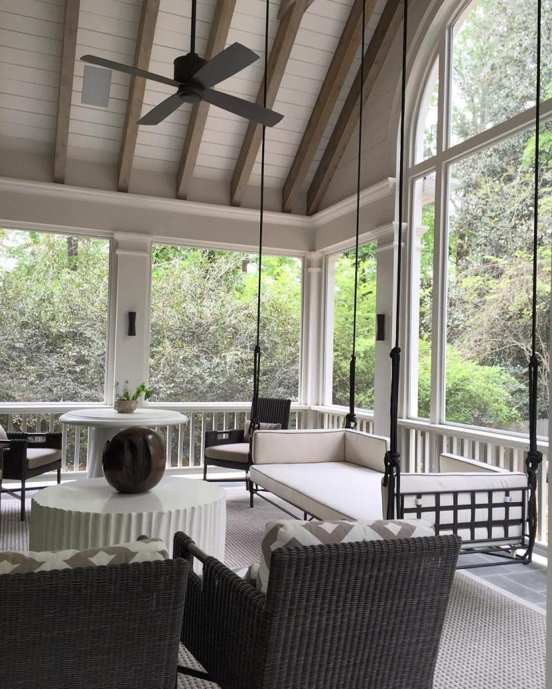7 southern porches cococozy for Houses with screened in porches