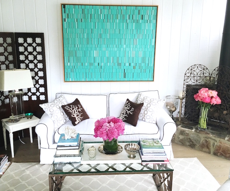 Living Room Decor - Pink Peonies Added | COCOCOZY