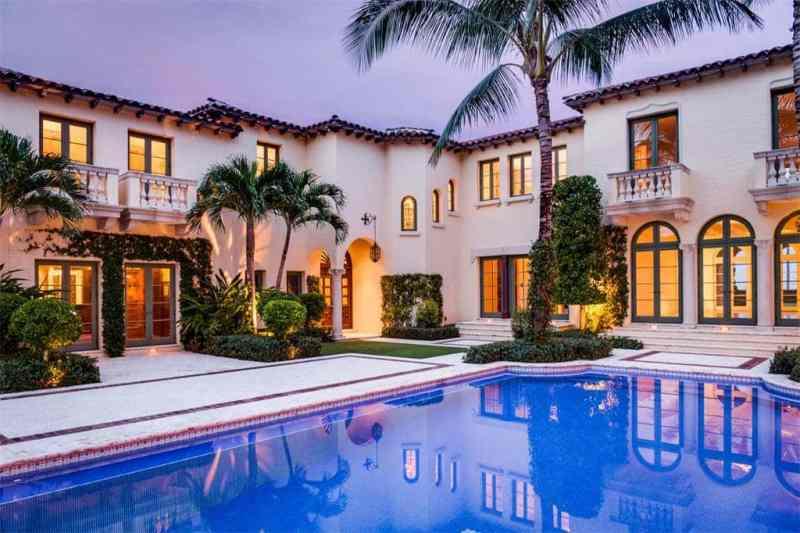 Palm Beach Pool Palm Trees