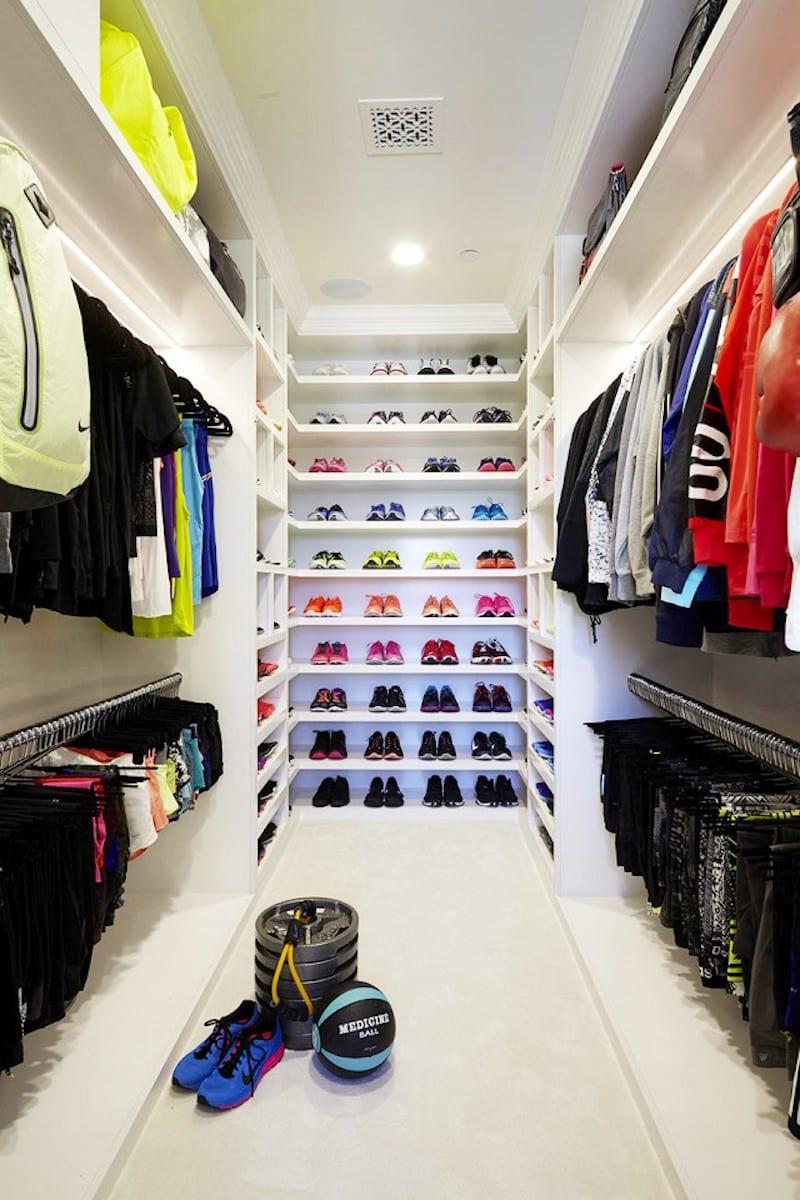 khloe kardashian fitness closets color coordination