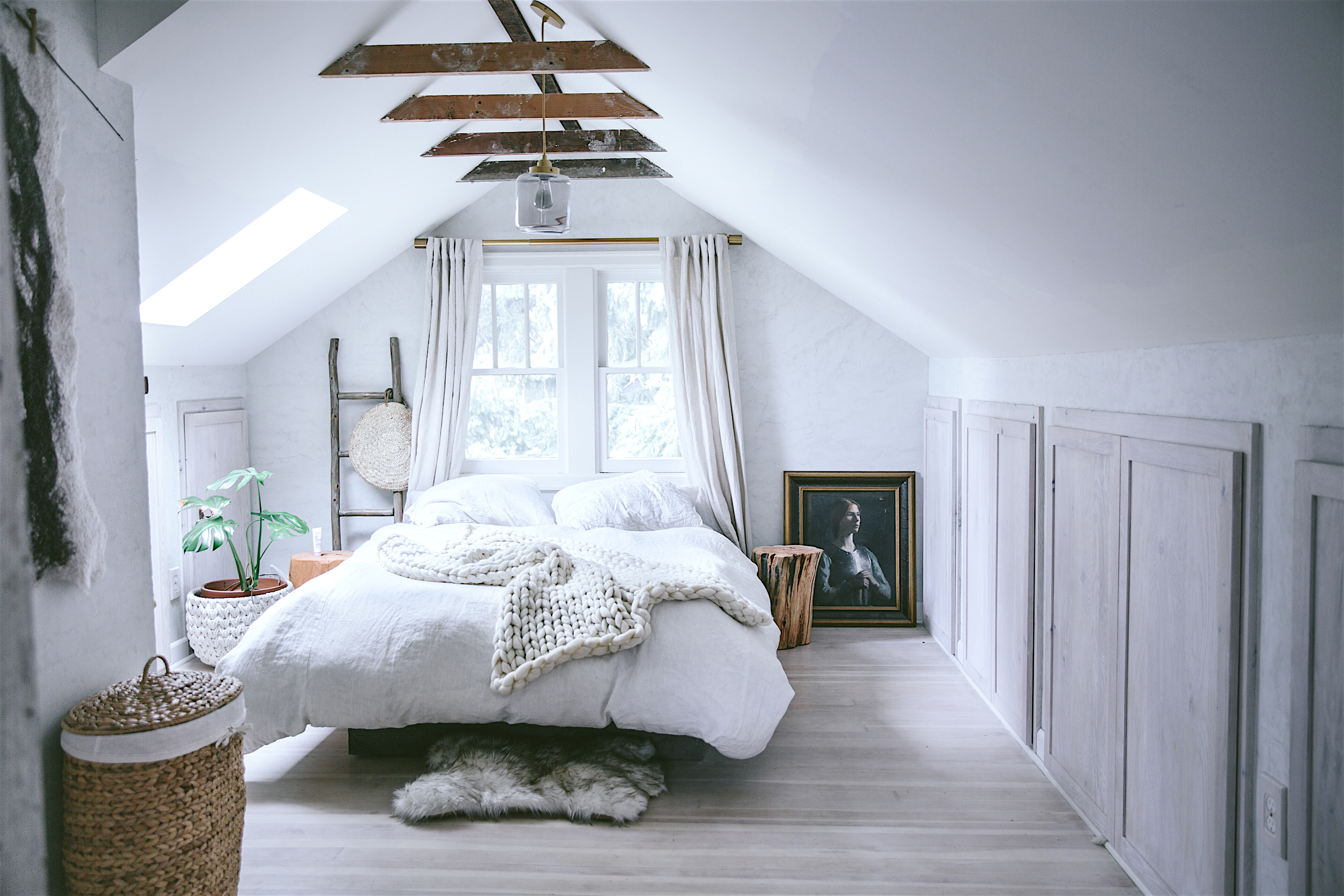 74a68719e0e 8 Cozy Bedroom Attic Lofts
