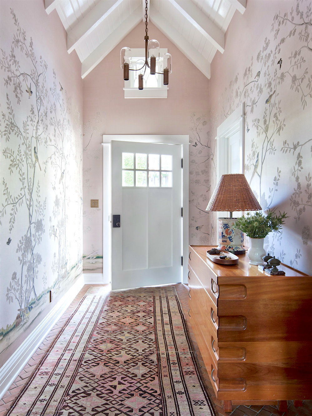 Foyer Wallpaper List : Soft traditional pacific palisades house tour cococozy