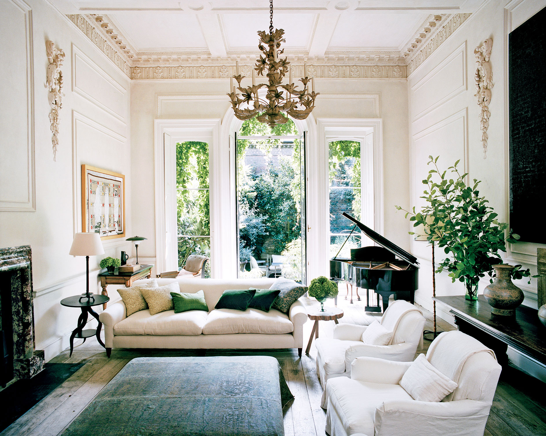 Modern Elegance In Nineteenth Century London Home | COCOCOZY