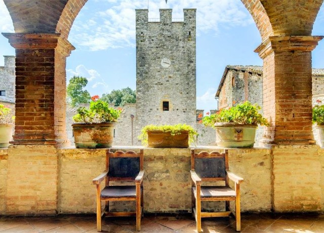 Sitting area in Castello di Modanella
