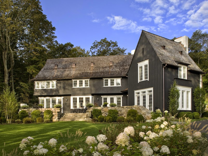The black house on trend cococozy - Black house with white trim ...